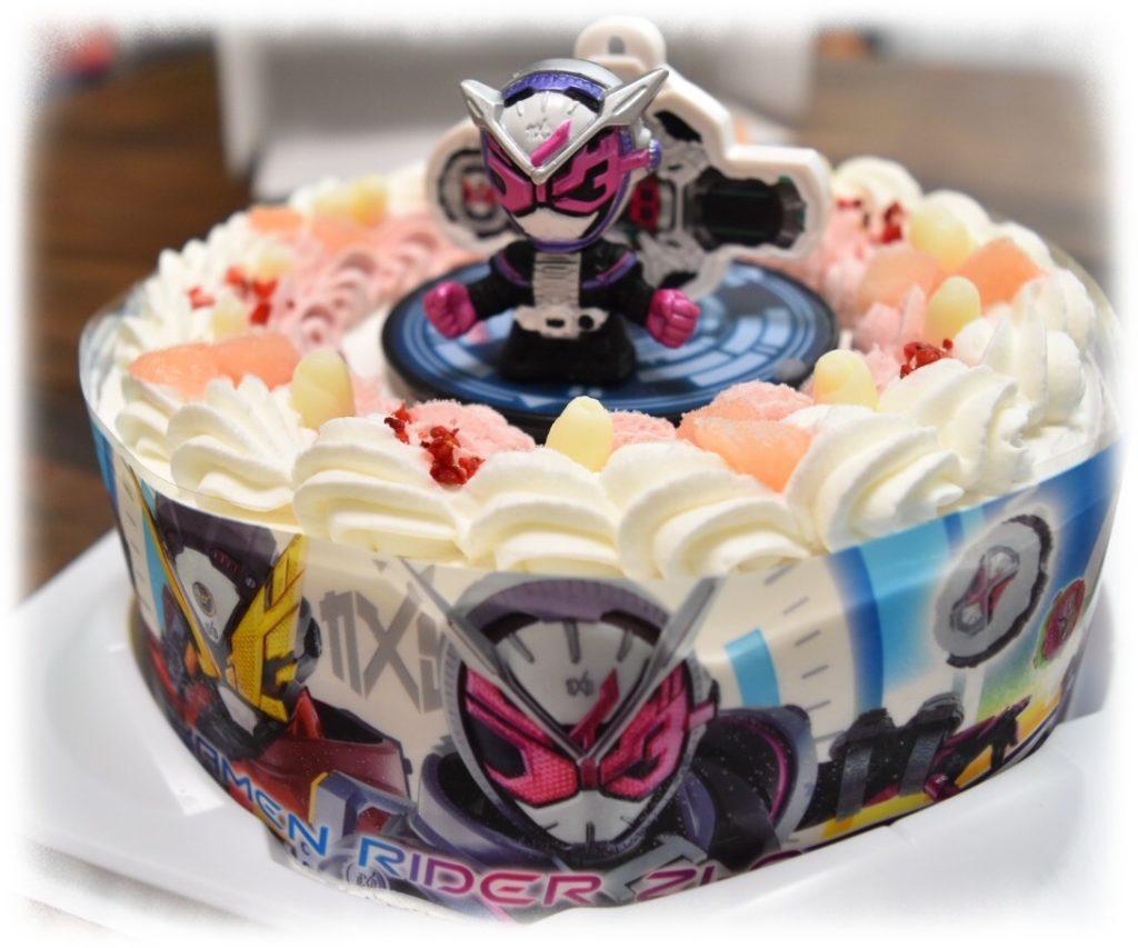 気になる味の感想は?【仮面ライダージオウキャラデコお祝いケーキ】を食べたよ!