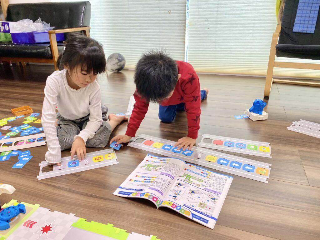 子供が楽しく気軽に学べる、プログラミングおもちゃ!